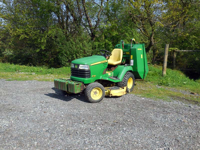 Used John Deere X748 4wd Commercial Garden Tractor