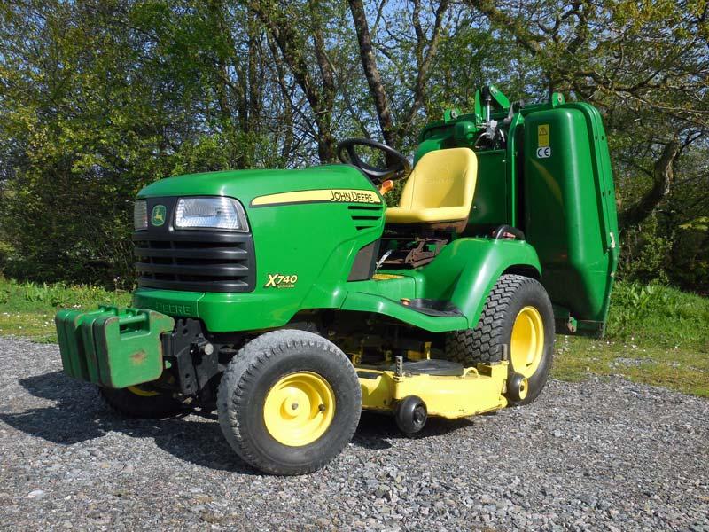 Used John Deere X740 Garden Tractor