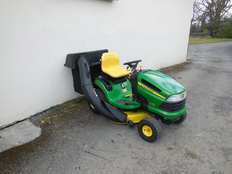 Used john deere x120 lawn tractor for Used lawn and garden equipment