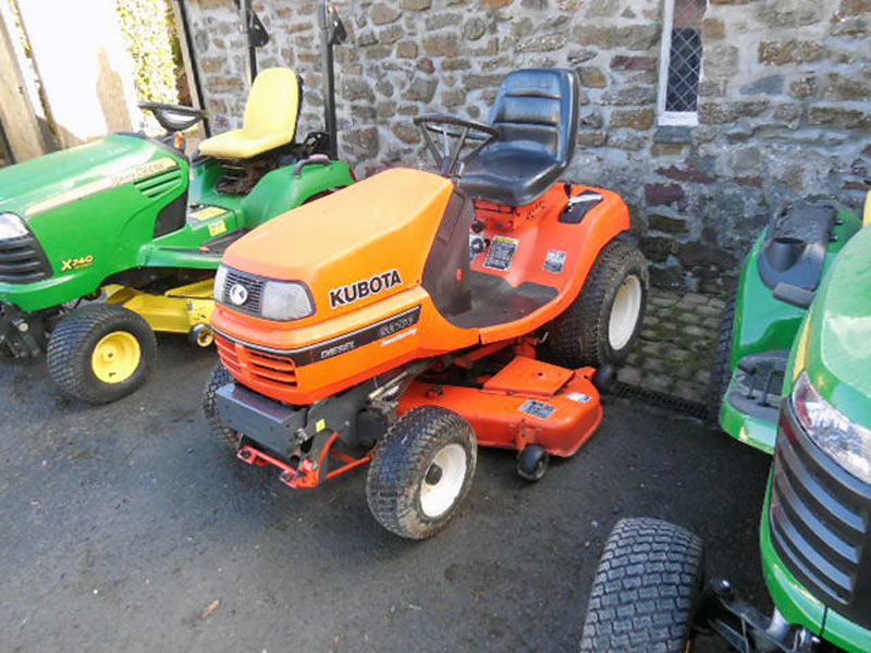 Used Kubota G2160 Lawn Tractor