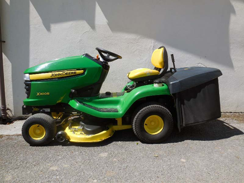 Used John Deere X300R Ride On