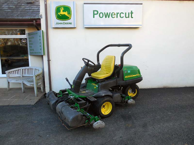 Used John Deere 2500A Greensmower