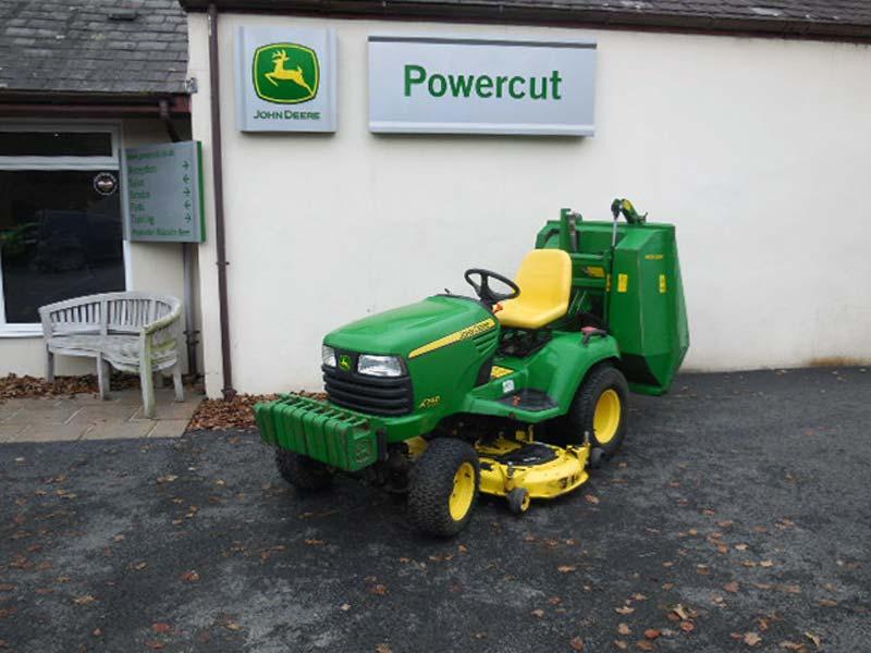 Used John Deere X748 Lawn Tractor