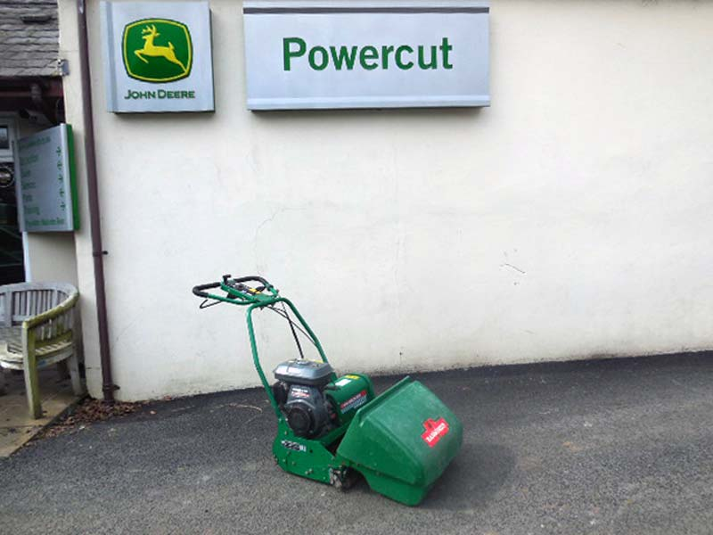 Used Ransomes Super bowl